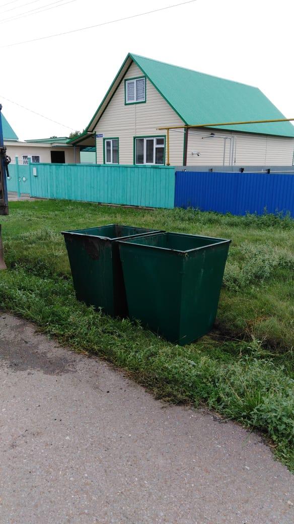 В городе Давлеканово устанавливаются контейнеры